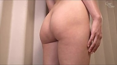 Japanese girl show her body for you