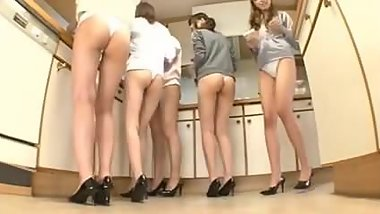 5 Beautiful Japanese Girls in High Heels.mp4