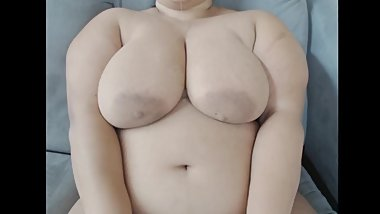 Chubby Girl Bounces Her Breasts