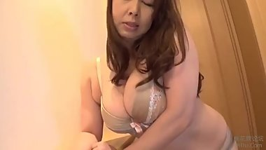 COMPILATION 44 JAPANESE GIRLS SPREAD THEIR PUSSIES5811