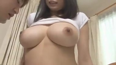 sexy akane yoshinaga sucks dick