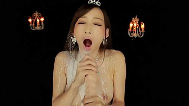 Japanese slut making a dildo explode all over her